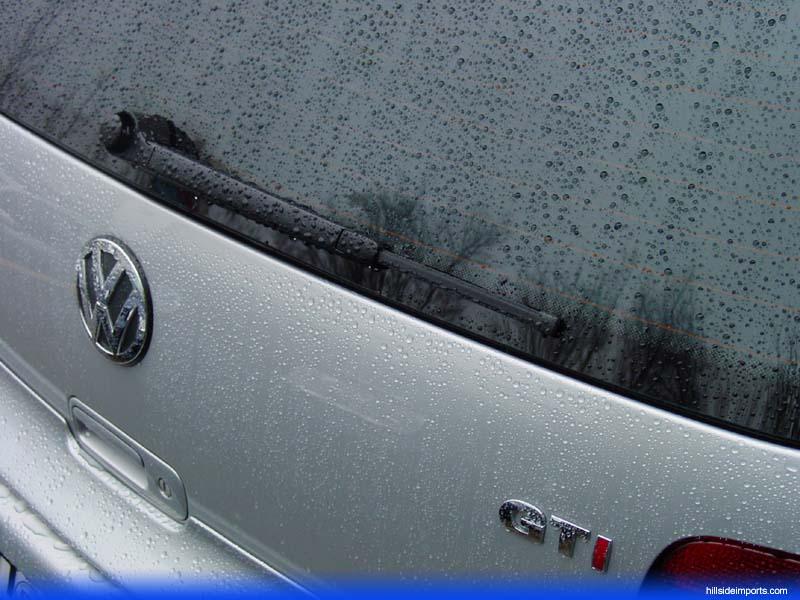 ใบปัดน้ำฝนกระจกบังลมหลัง จำเป็นต้องมีไหม