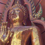 วันหยุดไปเที่ยวและไหว้พระที่ วัดถ้ำเสือ กาญจนบุรี