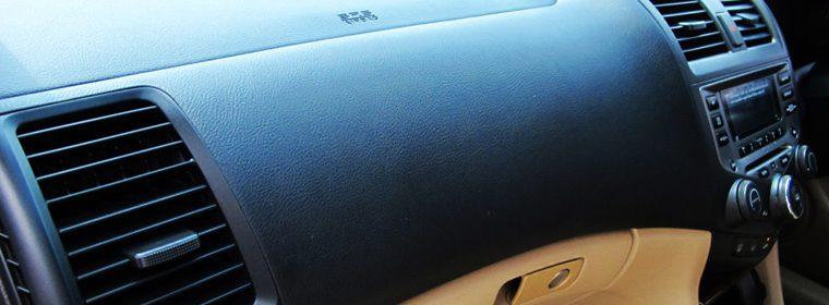 ล้างแอร์รถยนต์ ถอดตู้ VS ไม่ถอดตู้ แบบไหนดี