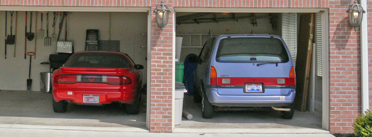 cars-in-garage-02