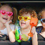 5 ลักษณะที่ไม่ควรให้เด็กนั่งหรือยืนในรถ